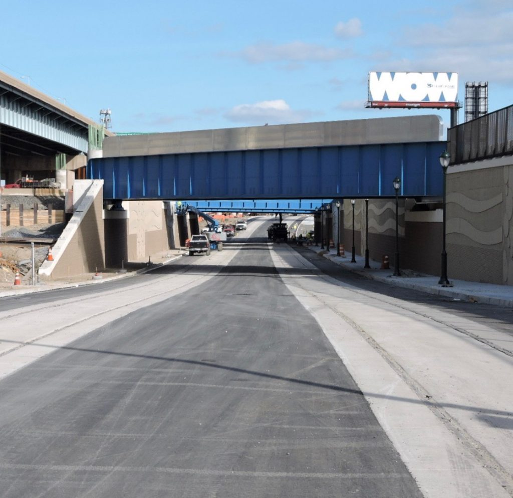 New Conrail bridge over Richmond Street