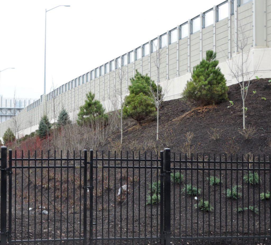 Landscaping along I-95